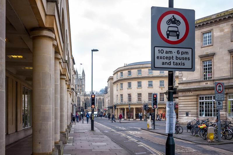 Signposts into Bath