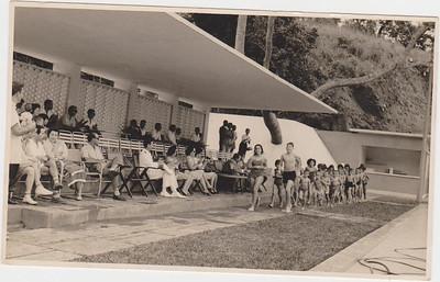 À frente do pelotão Belinha Laranjeira e Antonio Manuel Canhão Veloso Ferreira da Silva , Ferraz