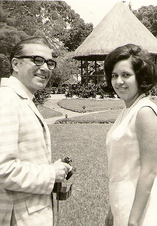 Manuel Maldonado Ferreira com a Bety no Dundo em 1969