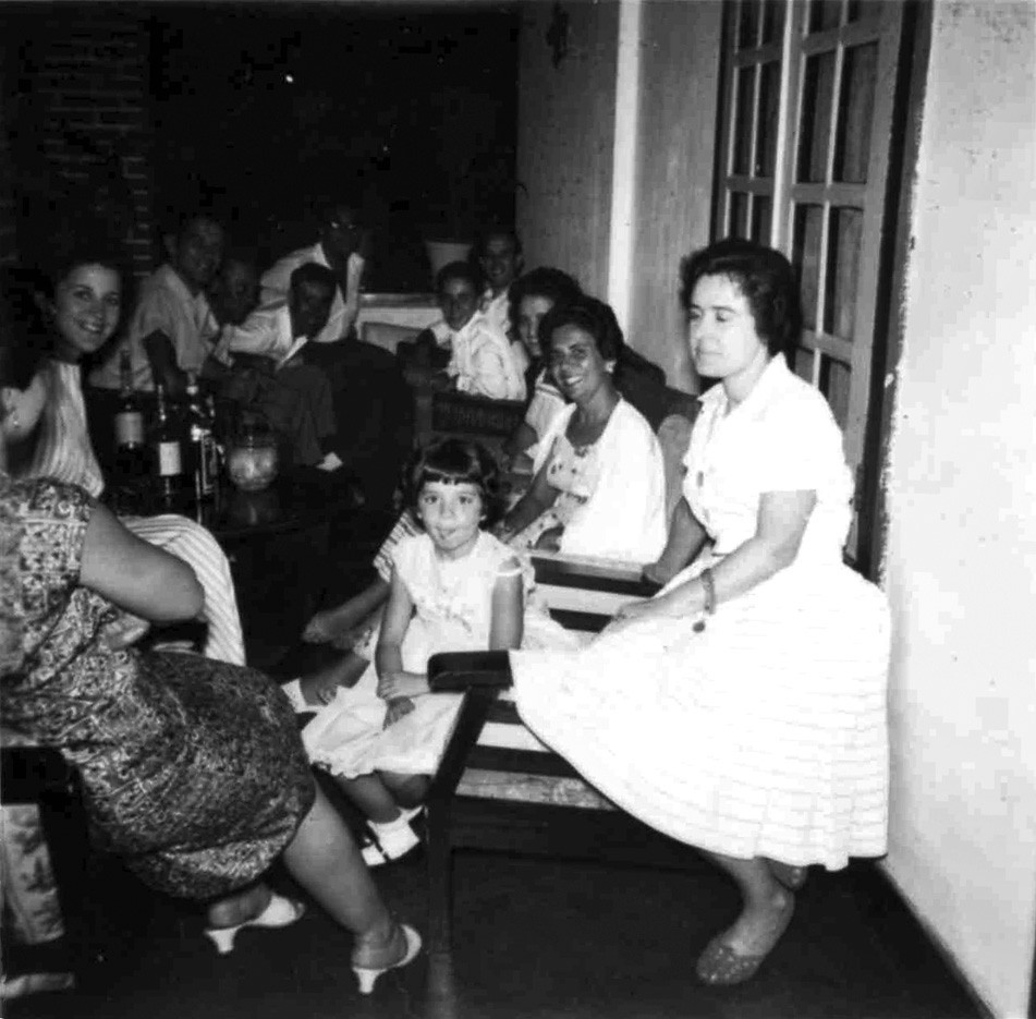 Natal -Dundo 1957 - varanda dos Loureiros Lurdes Ramos, Luisa Loureiro