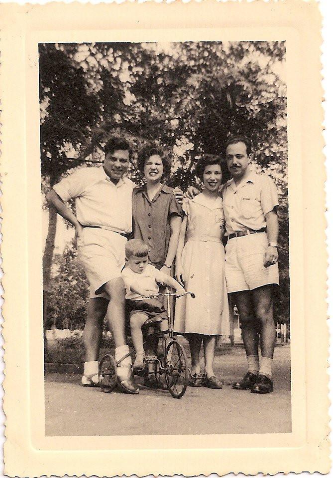 Dundo 1951 Casal Aragao Brito e filho Luis e casal Melo Abreu