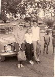 A caminho de Andrada, 1964...... Da esq. para a drt.,Maria João Santos David, Paulinha Santos David e Gininha Almeida Santos