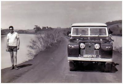 """Dique do Buía no Cossa - Familia Ermida e Tina mulher do  Oliveira   Land Rover """"ABD-20-72"""" pertenceu tambem a' familia Adalberto!"""
