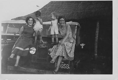 Prospecção 1954   Aurora Tavares e filha Nany .......?????