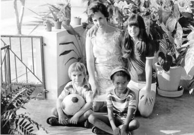Sra do Redondo, e filha Isabel e amigos