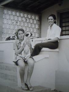 Andrada - Casas de 1º andar junto ás ofícinas Manas Beato: Teresa e Ruth