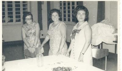 Casa do Pessoal do Fucauma: sra. do Luciano Fernandes, Rosalina Portela e  Clarisse Orlando Moreira