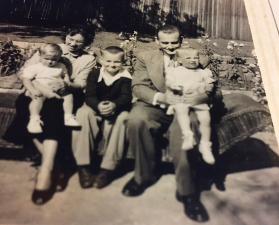 """LtoR: Eric, Polly?, Marc, Billy, and Kristi (~1950; photo/scan fromn Kristi 10/19/2016) Kristi: """" I think David took these--David and Marc were/are the same age. We {Kristi & Eric} are one"""" [Master in scan archive]"""
