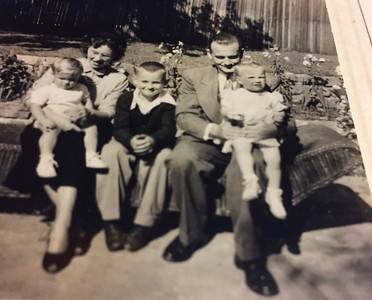"LtoR: Eric, Polly?, Marc, Billy, and Kristi (~1950; photo/scan fromn Kristi 10/19/2016) Kristi: "" I think David took these--David and Marc were/are the same age. We {Kristi & Eric} are one"" [Master in scan archive]"