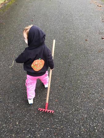Meet the youngest member ofthe KPP work crew. Eloise! Keri: The KPP far away team says hello! (MorgretPic)