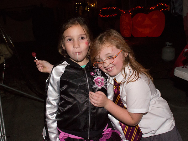 Lizzy and Nicole, BFFs (Halloween at KPP)
