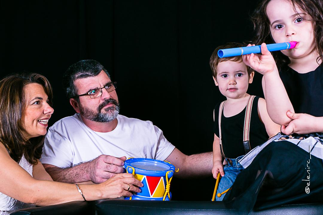 Regalo de cumpeaños a una abuela joven elenircfotografia Reportaje en familia