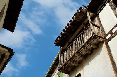Un balcón.