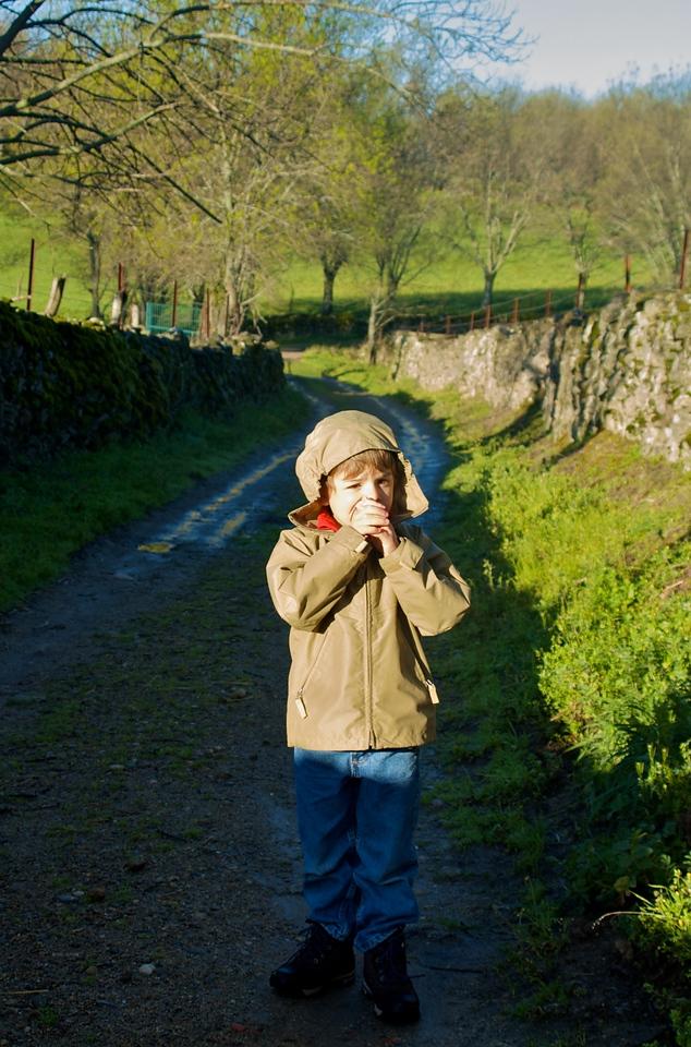 Una mañana Max vino conmigo, eran las ocho y hacía algo de fresquillo.