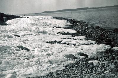 Is på stranden bved Kyndeløse.