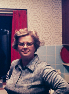 Lone Renberg i køkkenet, Fjordvænget.