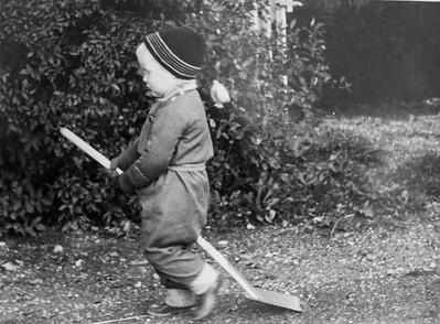 Morten rider skovlen.
