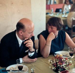 Hans Martin Hansen (Mortens gudfar) med faster Grethe Renberg.