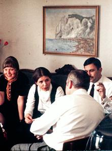 Inger Stilling, Laura og LeifTurner, med ryggen til Volmer Rolff.