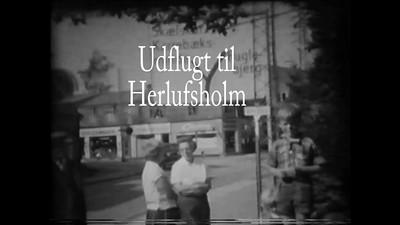 Besøg af mormor og morfar i Næstved. Vi tog bybussen til Herlufsholm og gik tilbage langs Susaaen. 1961.