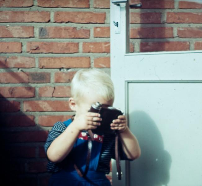 Morten fotograferer.