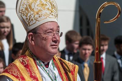 Der Bischof kam extra aus Olso für die Firmung.