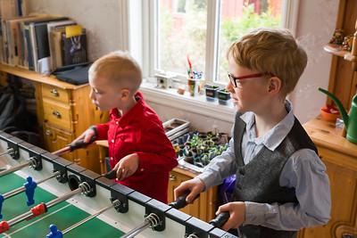 Frederik und Jasper sind die beiden älteren Söhne von Familie Hatscher.
