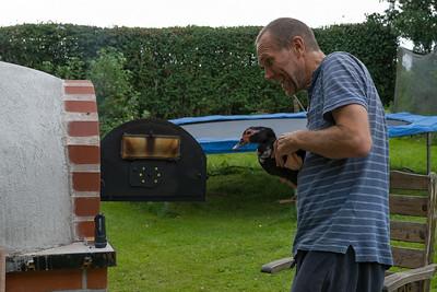 Auch die Ente durfte den Ofen schon einmal besichtigen...