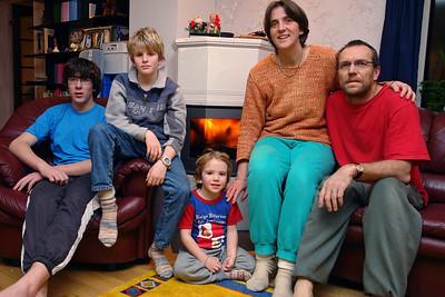 Weihnachten waren wir zu Hause in Stavanger. Vorm Kamin war es urgemütlich. Außerdem ist der Strom so teuer, dass man gerne mit dem Ofen heizt.