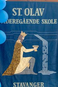 Er hat sein internationales Abitur (IB) auf der St. Olav Schule gemacht.