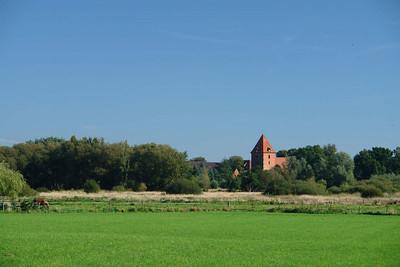 Die Kirche in Barrien: Früher dachte ich die Landschaft bei uns wäre langweilig...