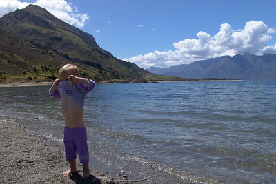 Ein See auf der Südinsel. Richard wollte auch baden aber das Wasser war dann doch zu kalt.