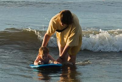 Surfen am Strand in Panaga.