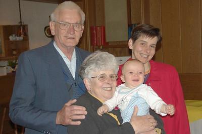 Oma und Opa Siegen und Helgas Schwester Mechtild.
