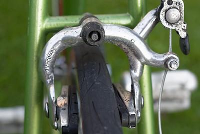 Die Bremse hinten ist auch orginal.