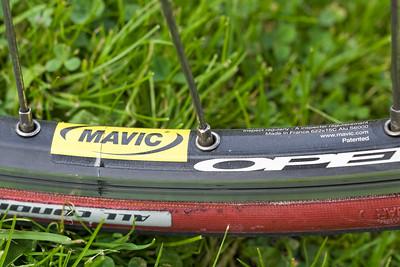 Die Felgen von Mavic habe ich vor ein paar Tagen auf die alten Naben montieren lassen.