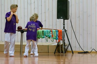 Dann wurde alles für den haupteil der Zeremonie vorbereitet, die Vergabe der neuen Gürtel. Die Anfänger bekamen auch ihren Capoeira namen. Richard war unheimlich auf seinen Namen gespannt.