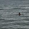 Warnemünde: Baden bei 13,5 Grad Wassertemperatur