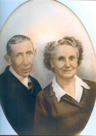 Lloyd & Mollie Sikes0001