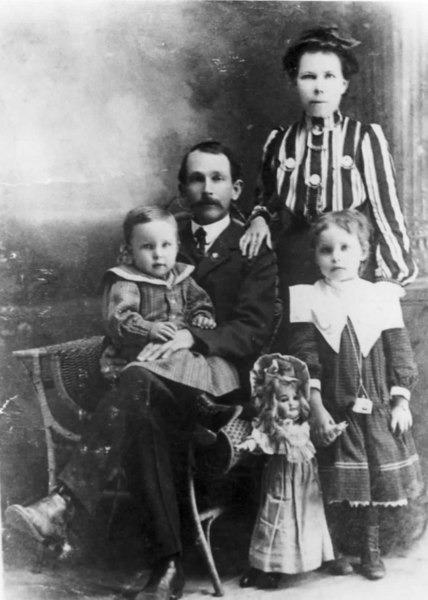 Walter Bates and his wife Grace Edson Bates and their children Walter Jr., and Thelma, about 1897. Photo courtesy of Marian Deas