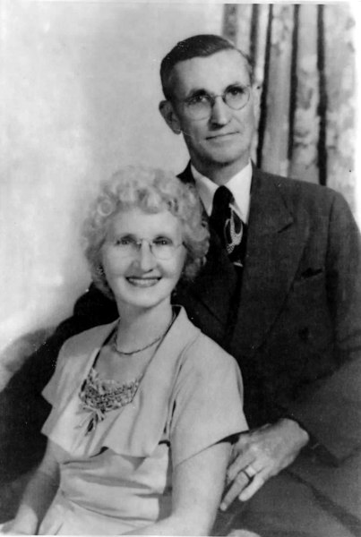 Dr. R. N. Burch and wife Lizzie Patten Burch about 1920.<br /> Courtesy of Susie Burch McMahan