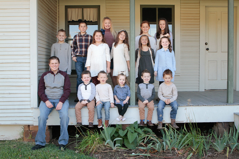 11-23-16-159_MAIN_ALL Cousins-2