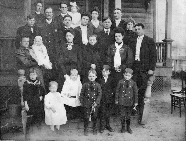 Stephen B. and Elizabeth Juhan Godwin Family circa 1900. Pictured are children and grandchildren. (Courtesy of Ashley Godwin Intriago)