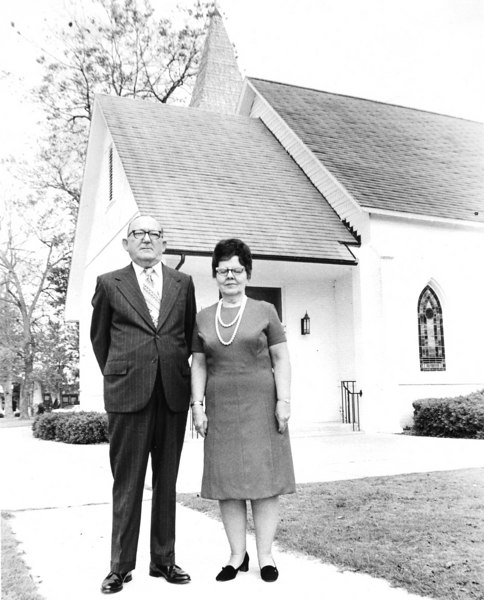 J. H. Harvey Sr and wife, Ellen Byrd Peeples Harvey, 1972, with United Methodist Church in background