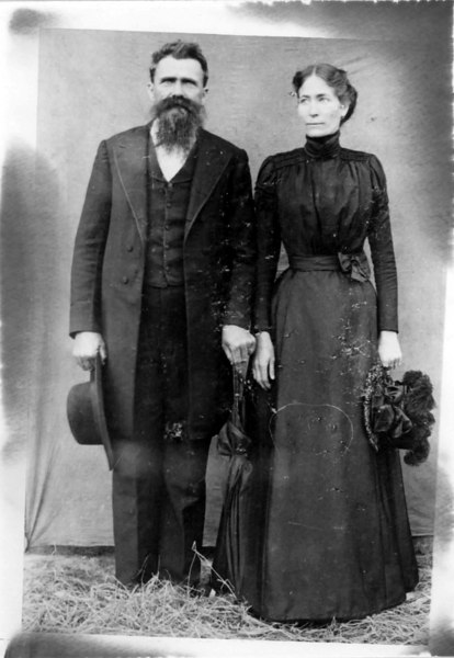 George W. Leggett and his wife Etolia Liles Leggett about 1898. Photo courtesy of Marian Deas