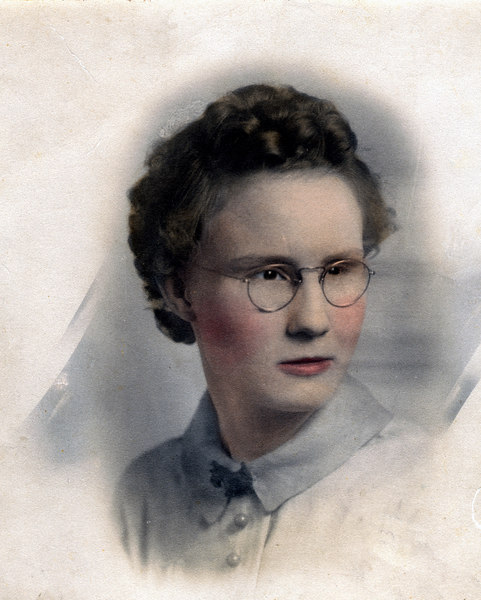"Neva Lois McKinnon, daughter of James Carter and Bessie Marie Avera McKinnon, a daughter of Webster Daniel Avera and Martha ""Mattie"" King Avera, born November 6, 1916, died November 6, 2001."