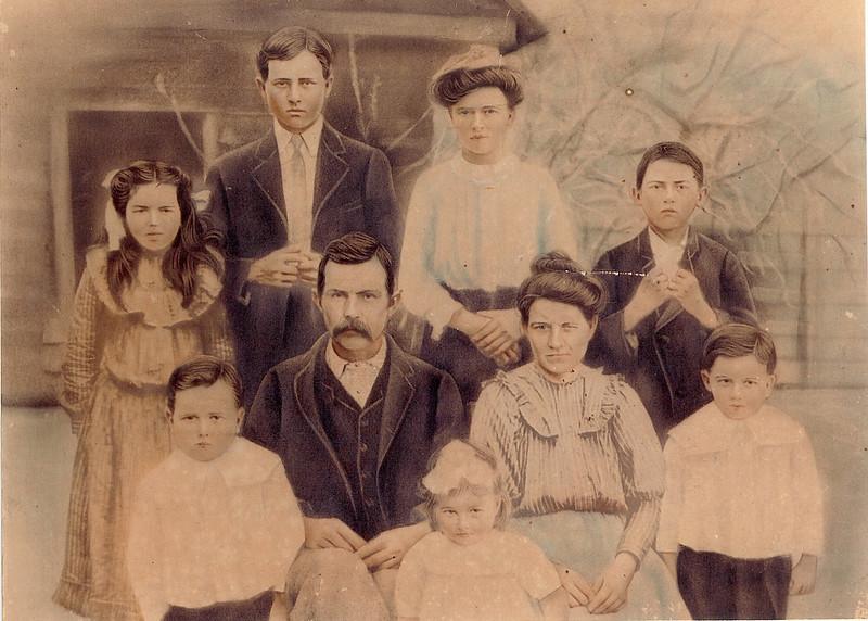 Thomas F. Ray family, circa 1906.<br /> L-R, back: Martha, Thomas Jr., Jane, and Bradford; center: John, Thomas F. Ray, Sr. (9/2/1859-3/17/1940), Rachel, and Jerry; front: Alma.(Courtesy of Marian Floyd Duggan)
