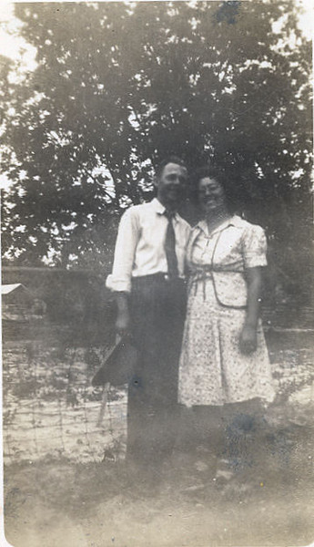 Vester and Vera (Whitley)Rowe, circa 1940
