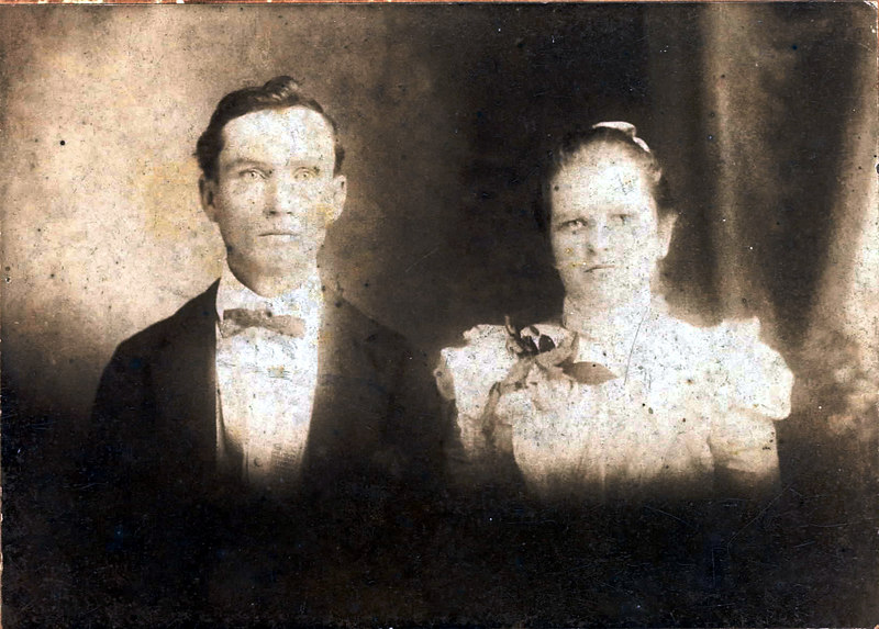 John Gordon Shaw and his wife, Senneth Register Shaw<br /> John Gordon Shaw (c.1878-1956) Son of James Harrison Shaw, grandson of Martin Shaw, Jr.