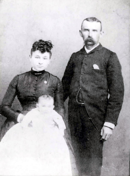 J. E. and Elodia Thigpen with thier infant daughter Lillian, about 1893. Photo courtesy of Eddie Thigpen